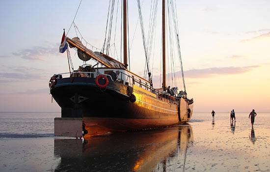 Trockenfallen im Wattenmeer - Segeltörn in Holland