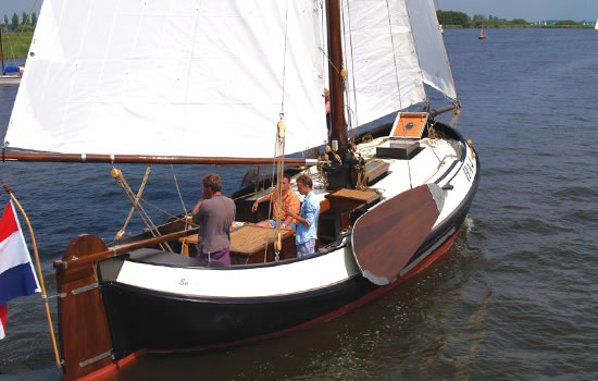 Plattbodenaschiff HA4 - Charterschiff ab Workum am Ijsselmeer