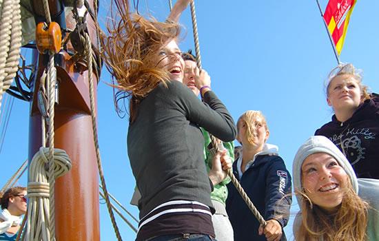 Mitsegeln - aktiv Segeln mit dem Plattbodenschiff